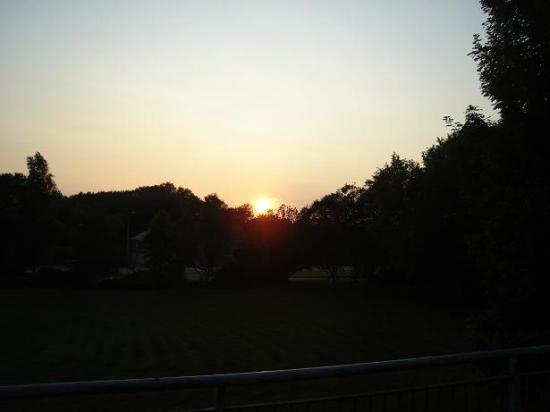Coucher de soleil sur Montigny le soir du 29 juin